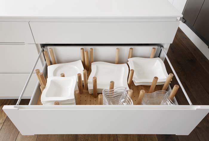 Küchenschublade-Geschirr-frontal